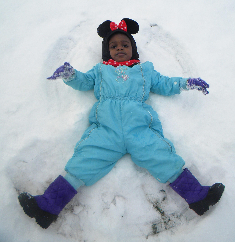girl-snow-winter-christmas
